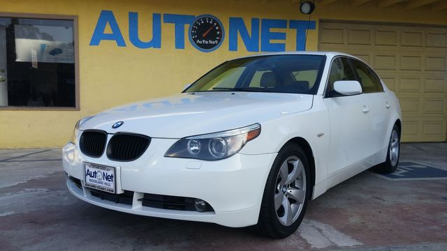 2007 BMW 525i This 07 BMW 525i is one beautiful looking car Very nice Alpine white on Beige color