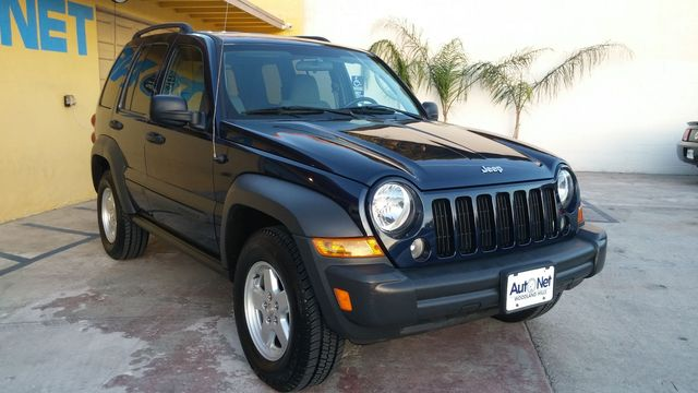 2007 Jeep Liberty Sport Looking for a stylish and practical SUV This 2007 Jeep Liberty is an exce