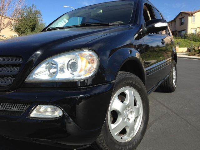 2004 Mercedes ML350 35L WOWW YOU DONT SEE THEM LIKE THIS ANYMORE 2004 M BENZ ML 350 SPECIAL C