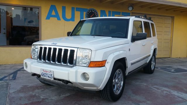 2006 Jeep Commander Limited HEMI This Jeep Commander Limited 4WD has all the great features of a re