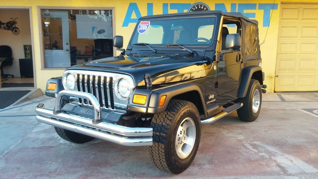 2006 Jeep Wrangler SE 4x4 Whoa look at this one Looking for your next 4-wheel Drive ultimate off-
