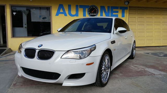 2010 BMW M5 w Heads-Up This car is truly the Ultimate Driving Machine This 2010 BMW M5 will have