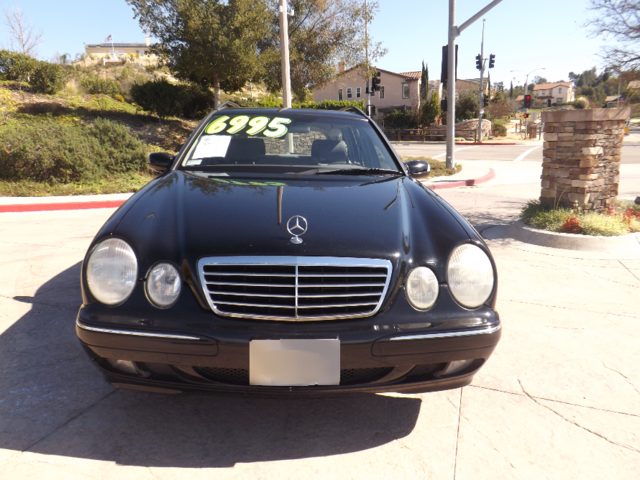 2002 Mercedes E320 This E320 Wagon Is very spacious and luxurious Only 128898 miles on it its sti