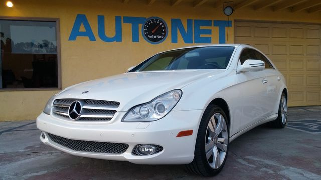 2009 Mercedes CLS550 55L WOW This car is a true beauty This Mercedes-Benz CLS550 is White on Bl