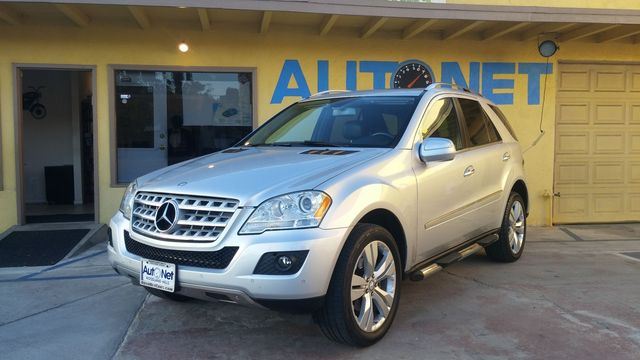 2009 Mercedes ML350 35L This 2009 Mercedes-Ben ML350 is the ultimate Luxury SUV Just one look in