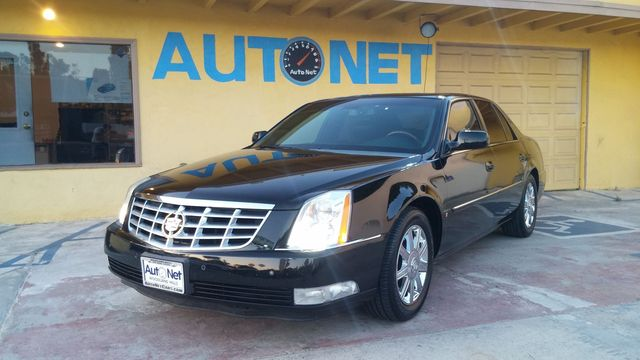 2007 Cadillac DTS Luxury II Take a look at this 2007 Cadillac DTS Beautiful Black on Black color