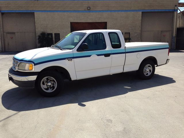 1999 Ford F-150 XL THIS BASE MODEL1999 FORD F-150 SERIES XL SPECIAL WORK TRUCK EXTENDED CAB TRITON