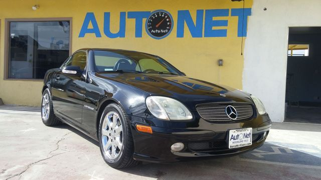 2004 Mercedes SLK230 Sport Small fast and sporty This Mercedes-Benz SLK230 is the coupe for you