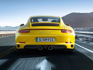Adaptive cruise control including Porsche Active Safe (PAS)