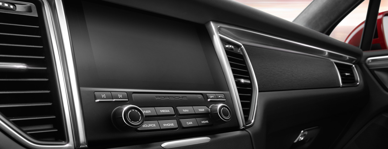 New Porsche Communication Management (PCM) including navigation module