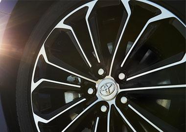 17-in. alloy wheels