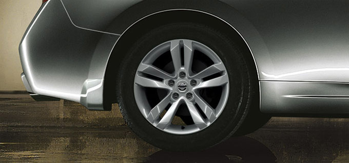17-inch aluminum-alloy wheels