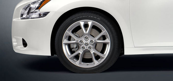 18 inches aluminum-alloy wheels