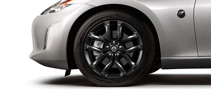 "The 370Z® performs on 18"" black-finish aluminum-alloy wheels."
