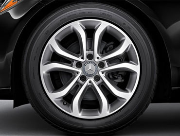 17-inch split 5-spoke wheels