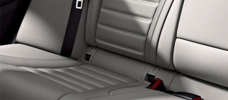 2016 Mercedes-Benz C-Class Sedan Seat belt technology