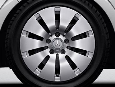17-inch 10-spoke wheels