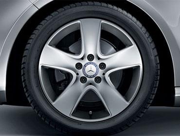 17-inch 5-spoke wheels