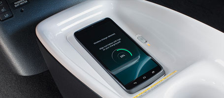 Qi-compatible wireless charging