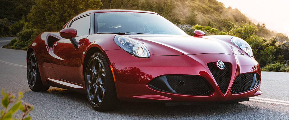 2016 Alfa Romeo 4C Coupe Overview
