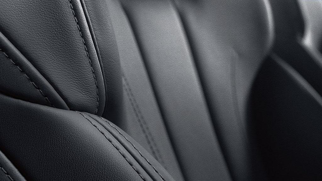 2017-Audi-A4-interior-4.jpg