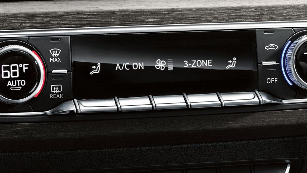 2017-Audi-A4-interior-5.jpg