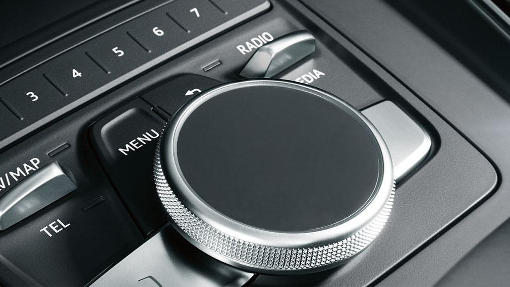 2017-Audi-A4-interior-9.jpg