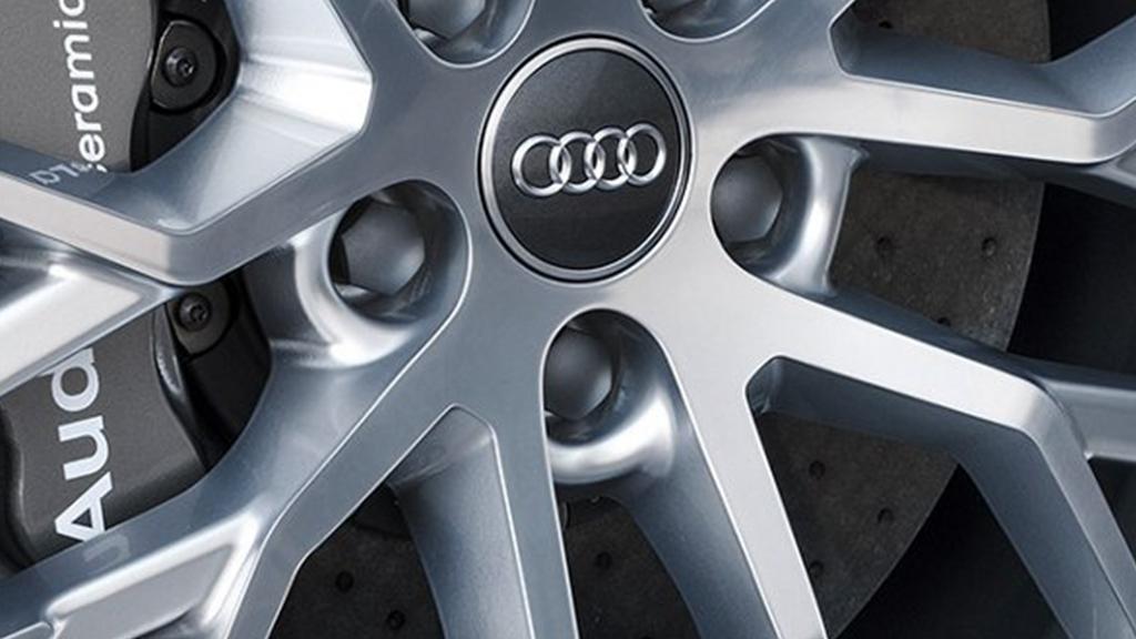 2017-audi-r8-spyder-technology-ceramic-brakes-v3.png