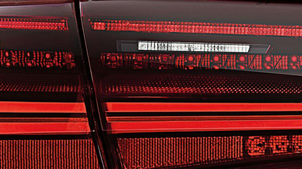 2017_Audi_A6_exterior_taillights.png