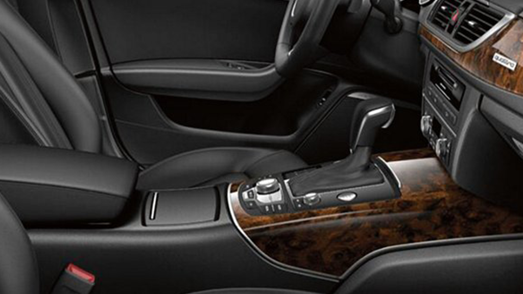 2017_Audi_A6_interior_leatherseating_v2.png