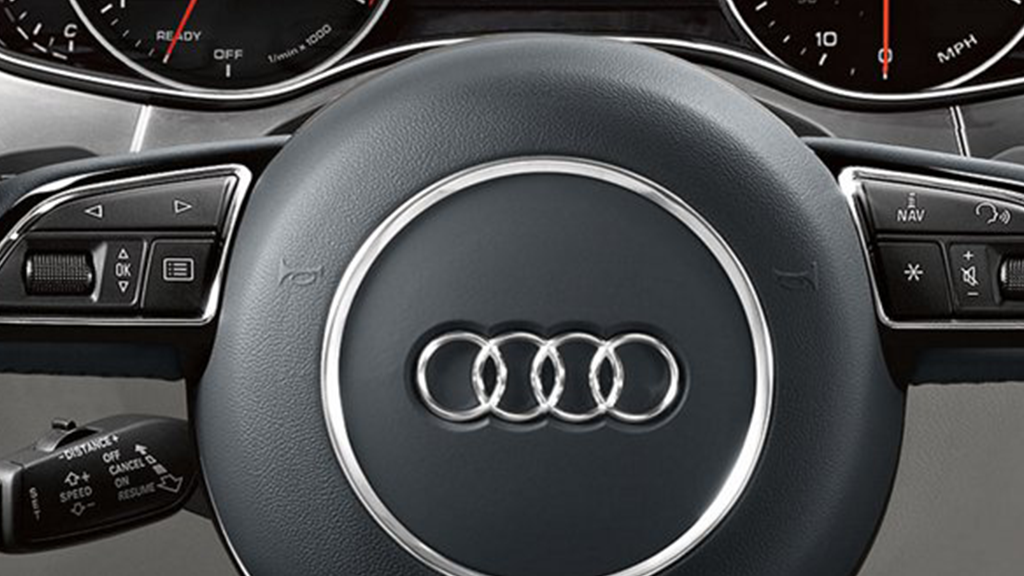2017_Audi_A6_interior_steeringwheel_v2.png