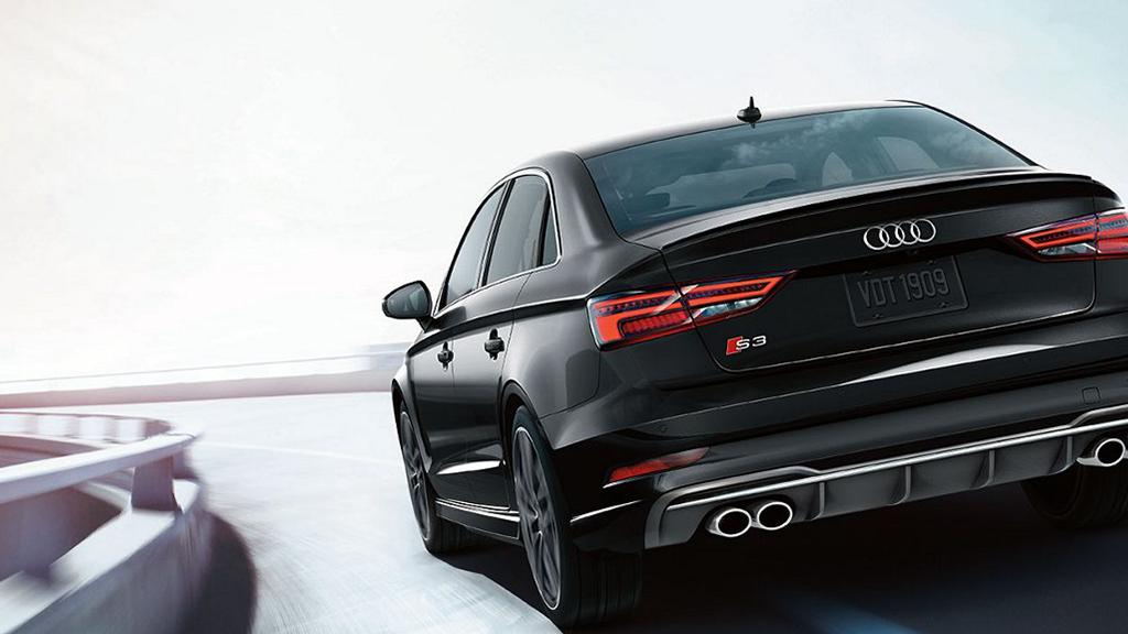 2017_Audi_S3_sedan_exterior_ledtaillights_v2.png