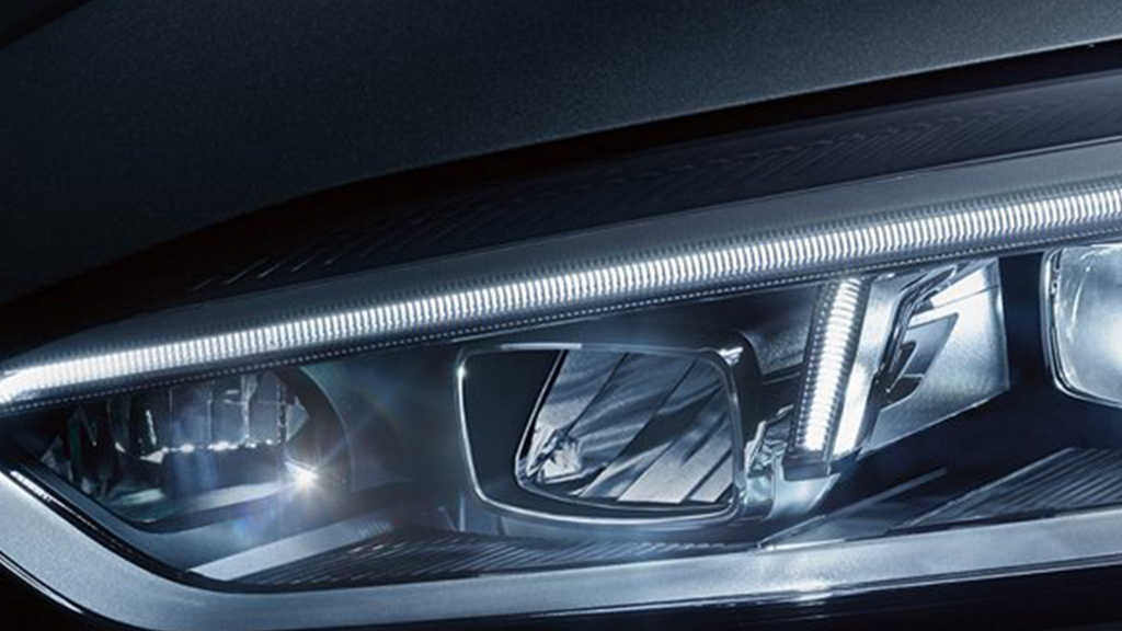 2018-Audi-A5-Coupe-gallery-ledheadlights.png