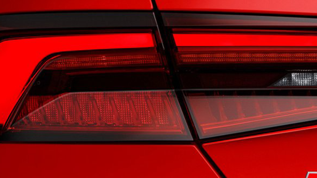 https://apollo.carweek.com/usite/3708/images/2018-Audi-S5-Coupe-gallery-taillights.png